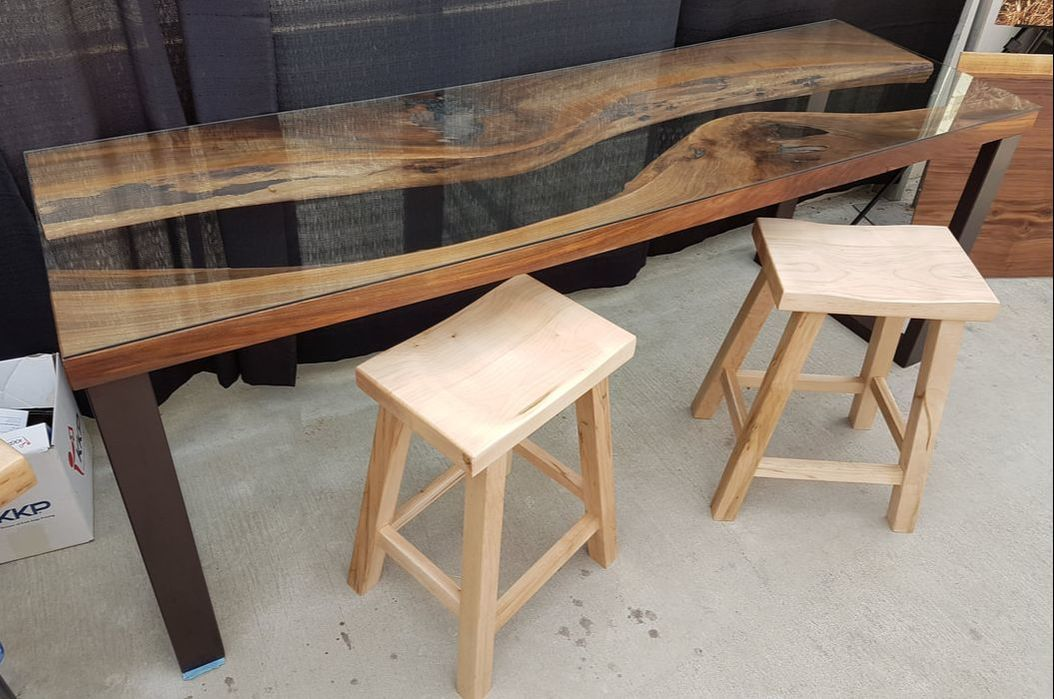 Reverse edge walnut desk